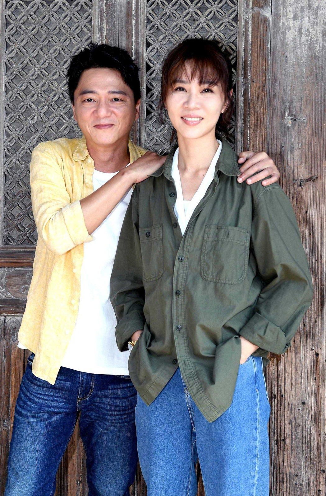 謝盈萱(右)、藍葦華在「俗女養成記2」中,「森玲CP」能否修成正果引關注。圖/華...
