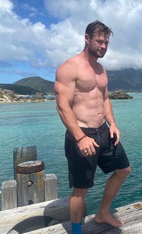 克里斯漢斯沃本來肌肉就很結實,現在更威猛。圖/摘自Instagram