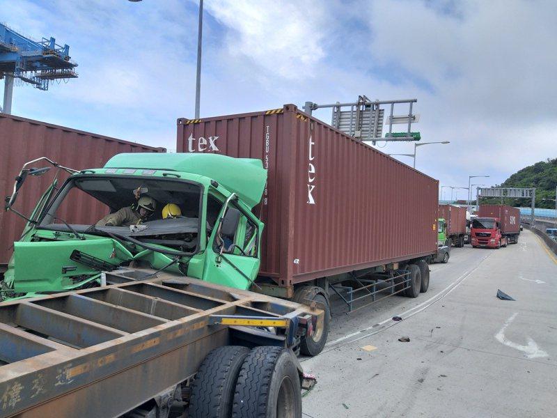 貨櫃車和基隆港和基隆人的生活密不可分。圖/聯合報系資料照片