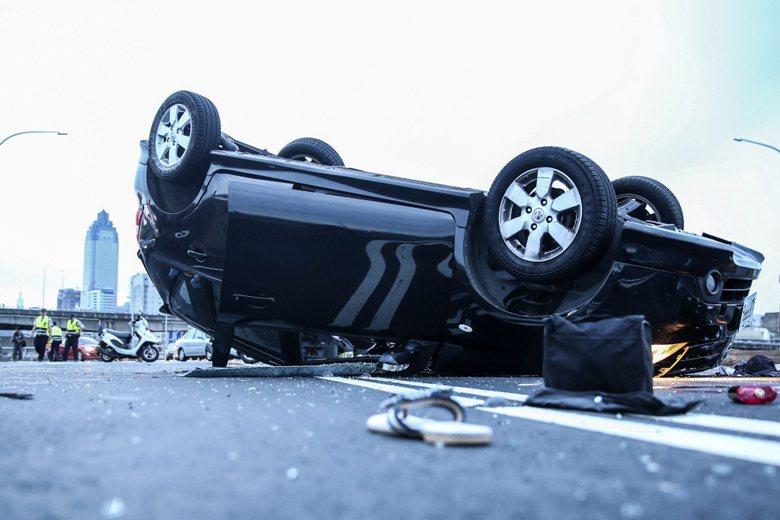 每當有交通事故發生,最常讓駕駛感到困惑的,或許是「我該留下,還是可以離開」? 圖/聯合報系資料照