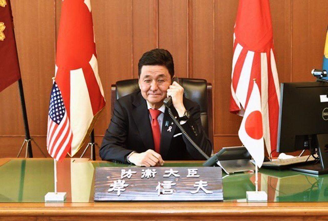 防衛相岸信夫在8日的傍晚,也正式對於北海道和大阪的支援請求正面回應,發布了自衛隊...