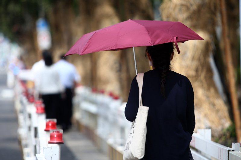 寶成停止實施無薪假,讓勞動部今(8)日公布的新一期無薪假人數大減,實施人數只有6,067人。報系資料照片