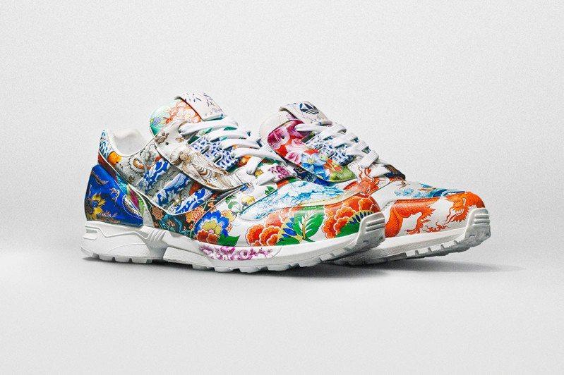 一雙由Adidas和德國麥森瓷器設計的特別款運動鞋,7日在國際拍賣公司蘇富比開拍,這可能是史上第一雙飆破100萬美元(約新台幣2851萬元)的運動鞋,可望創下運動鞋得標金額史上最高紀錄。 圖/翻攝自外媒HYPEBEAST