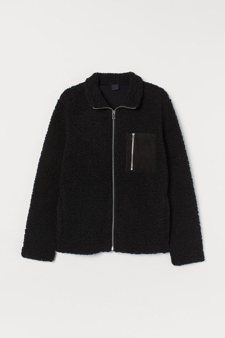 H&M男版黑色仿綿羊外套,原價1,499元,特惠價800元。圖/H&am...