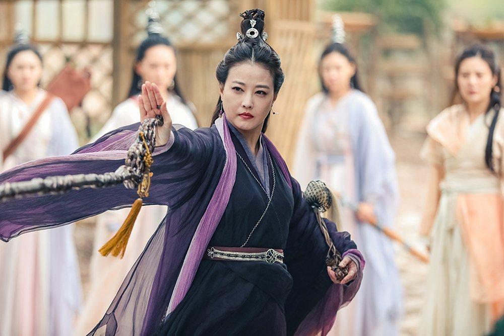 「最美周芷若」周海媚,在新版「倚天屠龍記」晉升為「最美滅絕師太」。圖/中天娛樂台