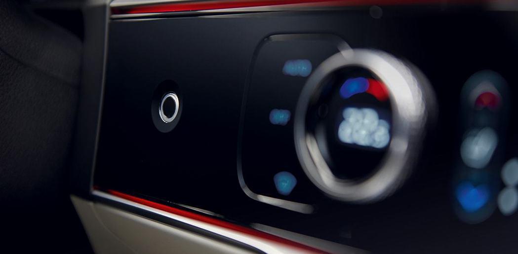 全新Genesis GV70導入指紋辨識功能 (開車門、發動引擎、支付Genes...