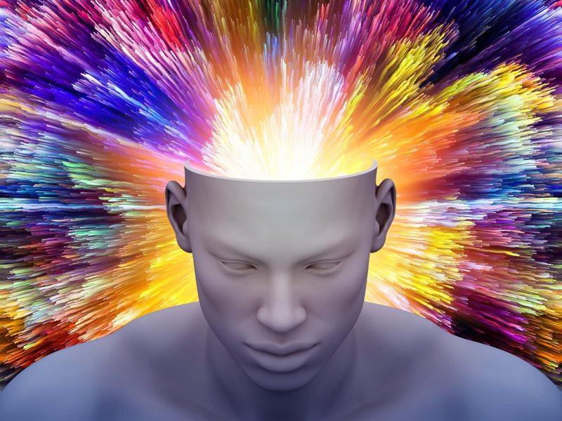 資訊爆炸,頭腦也會累到爆炸。醫學上稱為腦疲勞、腦過勞。圖片來源:ingimage