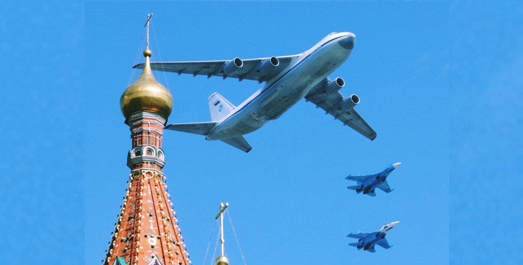 俄國空軍的一架「末日專機」IL-80——核戰總統指揮專用機——在俄國南方進行機體...
