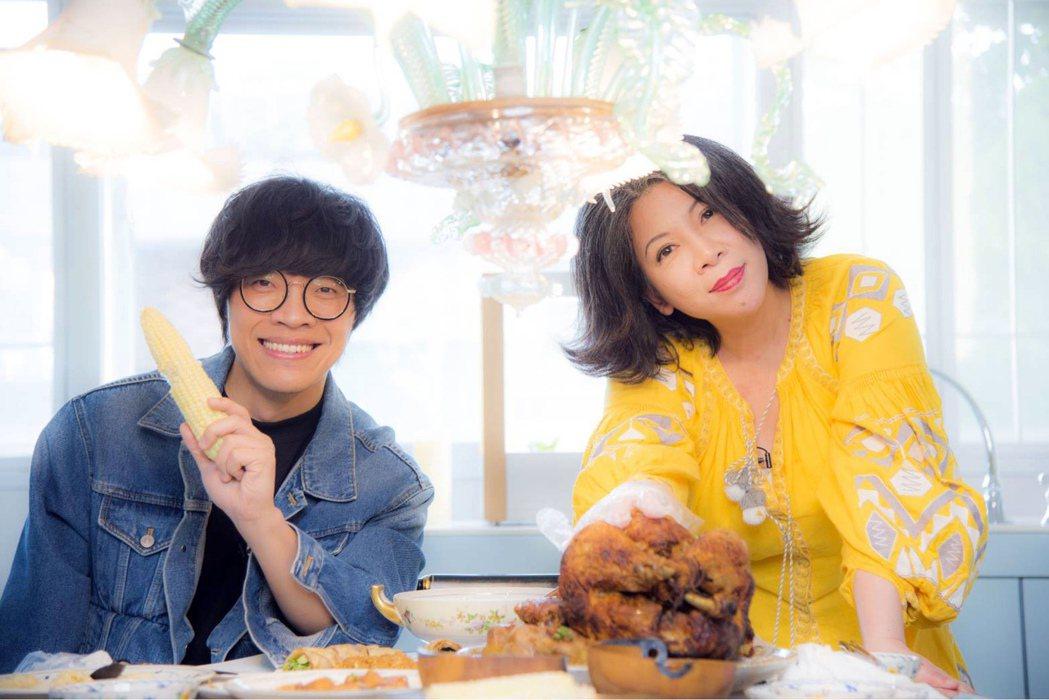 盧廣仲(左)牽起陳文茜(右)與蔡璧名的友誼。圖/有鹿出版社提供