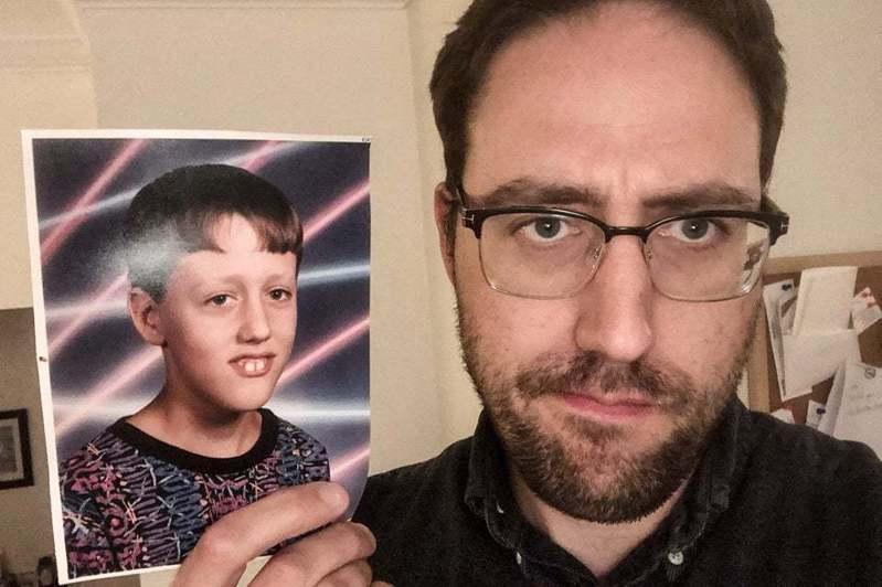 男子發現自己8歲照片被網友做成哏圖。圖/取自slate