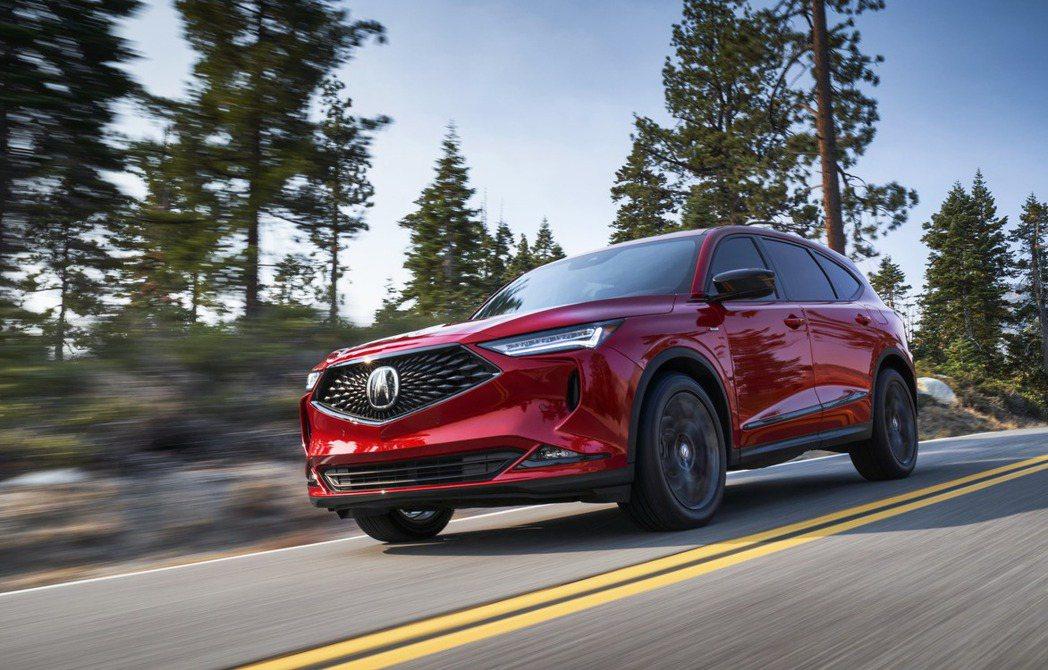 Acura MDX配備3.5升i -VTEC V6引擎,有290hp馬力以及36...