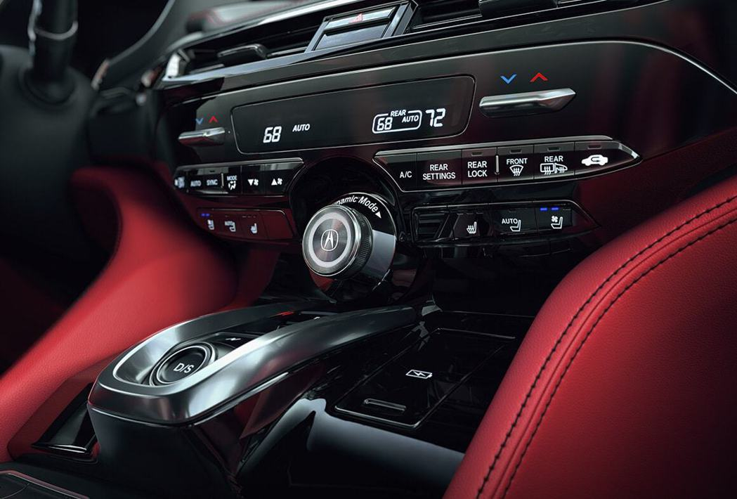 保留許多實體按鈕的中控台也是MDX一大特色。 圖/Acura提供