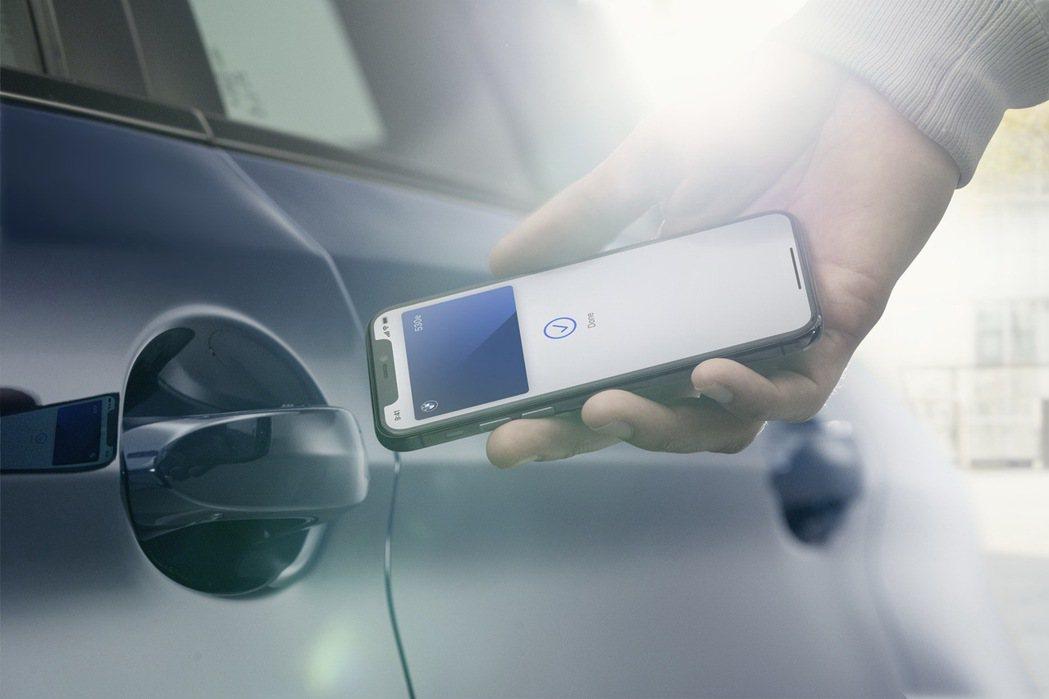 全新2021年式新世代車款導入兼具科技與便利性的iPhone手機數位鑰匙、全新升...
