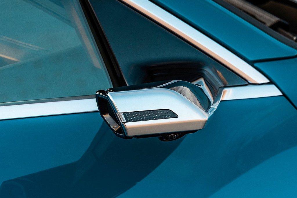 Audi e-tron首次搭載於量產車型的全數位虛擬後視鏡(Audi Virtu...