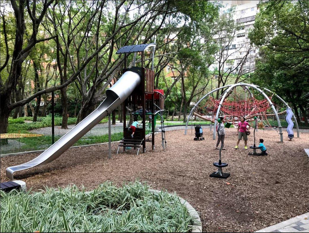 近幾年,大家有目共睹公園的各種變形。從兒童權益、友善兒童出發,公園變好玩了、親子...