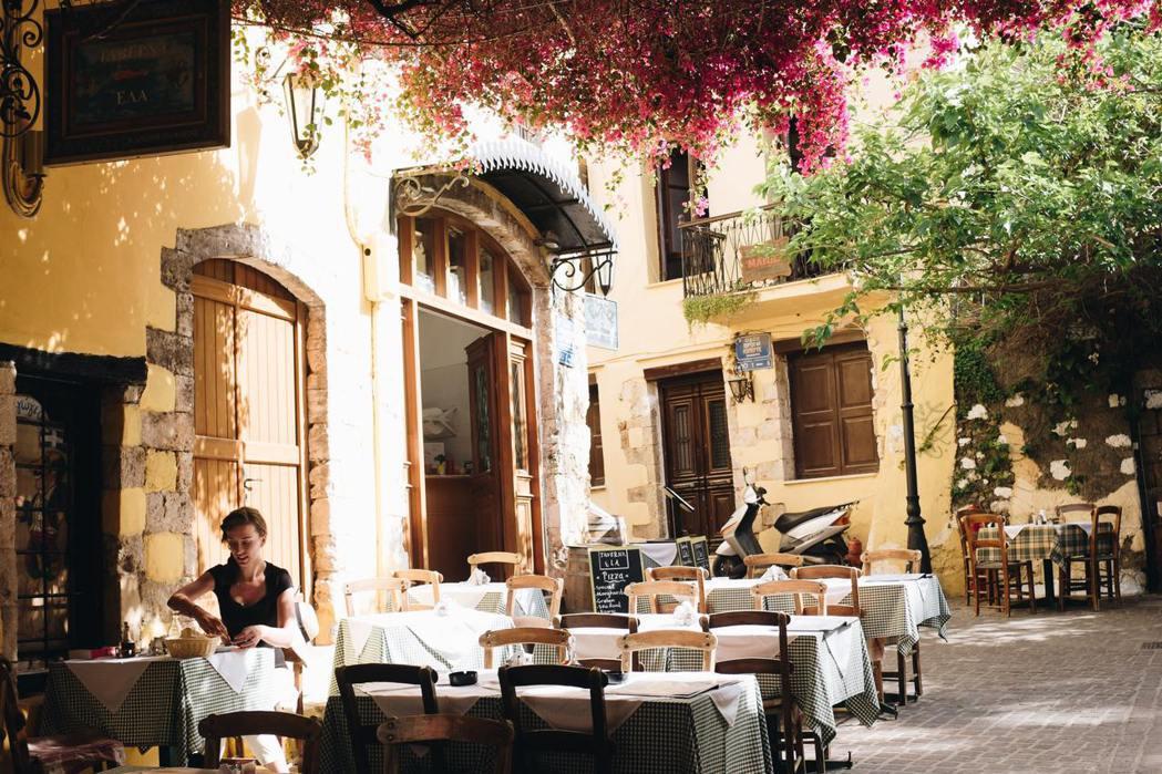 法國《米其林指南》的成功,讓米其林輪胎成為全球頂尖輪胎傷,還把法式美食觀光文化推...
