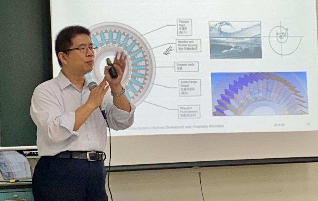 德國威騰斯坦台灣分公司總經理魏誠志認為蝸缐齒形因為由線接觸變成面接觸,力量強、精...