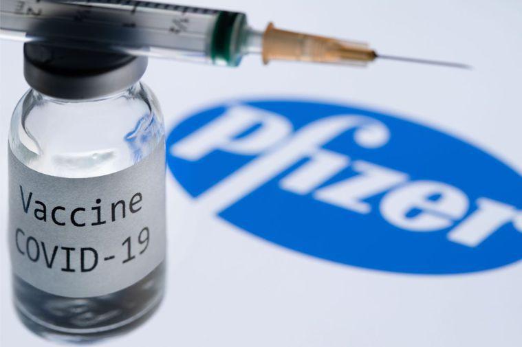 世界各國無不期望藉由疫苗接種能減緩疫情。 法新社