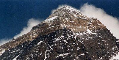 圖說:中國、尼泊爾就聖母峰高度達成共識,顯示雙方友好關係。(photo by wikipedia)
