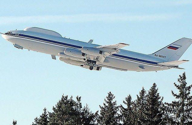 俄罗斯的「末日飞机」近日遭遇一场离奇窃案,几名不明人士趁着飞机进行维修时,偷走机上无线电装置,当局已经展开调查。Russianplanes.net(photo:UDN)