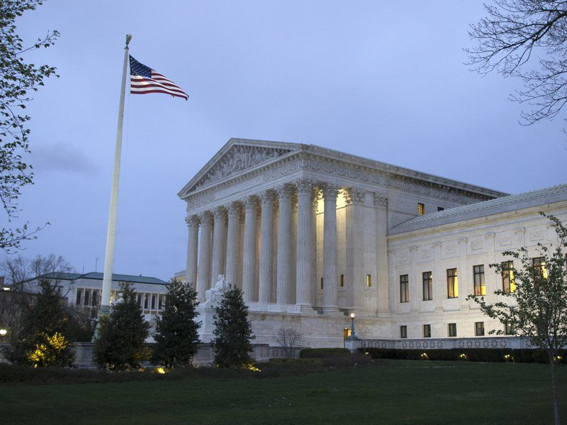美國最高法院12月8日駁回共和黨人針對賓州提出的推翻選舉認證訴訟,斷絕川普選舉翻盤的最後希望。圖為美國最高法院。歐新社