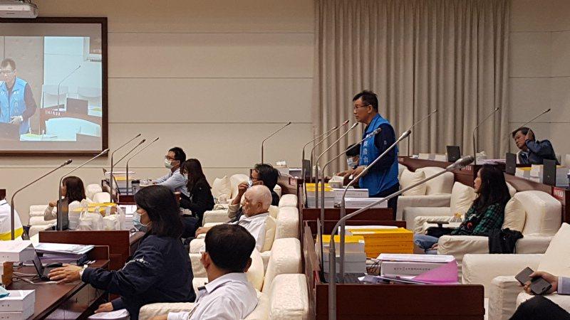新竹市明年將試辦數位身分證,市議會國民黨團總召吳青山要求政府做到資訊安全保證。本報資料照片