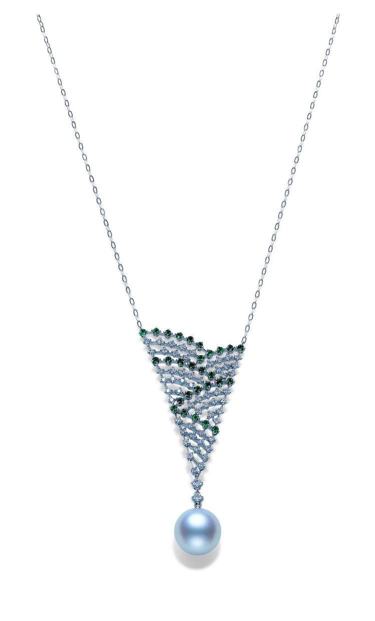 MIKIMOTO麗晶獨家南洋珠鑽石墜鍊,110萬元。圖/麗晶精品提供