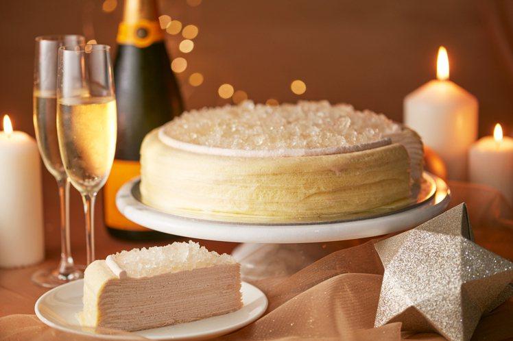 LADY M香檳千層蛋糕,切片380元,九吋3,800元。圖/麗晶精品提供