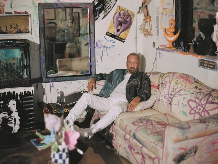 DIOR MEN 2021秋季圖案來自美國藝術家肯尼沙爾夫的作品。圖/DIOR提...