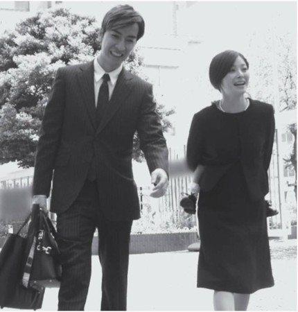 橘慶太、松浦亞彌曾留下難得的同框照。圖/翻攝自日網「女性自身」