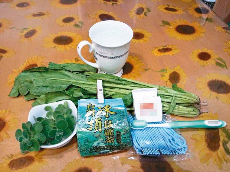 有些食材有幫助消除口臭的功能,例如香菜、薄荷、艾草、菠菜等,泡茶也可以。圖╱郎英...