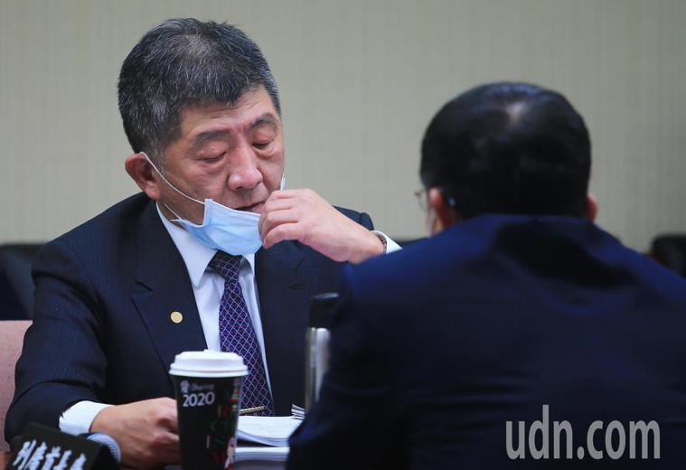 衛福部部長陳時中昨天出席衛環委員會表示,目前所有移工皆要求檢疫完成後「全數強制採...