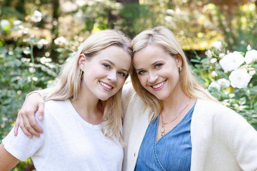 瑞絲薇絲與女兒的長相相似度很高。 圖/擷自瑞絲薇絲朋IG