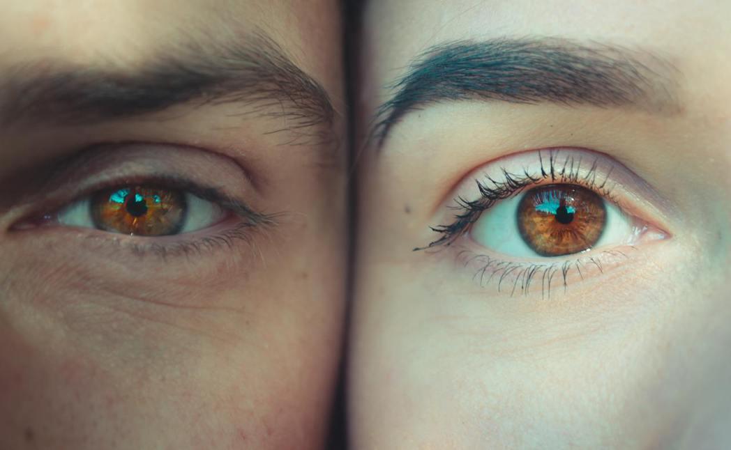 林佩玉建議民眾在術前,應該針對自己的生活習慣和視力需求,和醫師討論並選擇適合的人...
