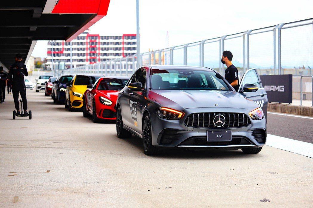 這次AMG賽道日讓參加者都能體驗每一輛車款。 記者張振群/攝影