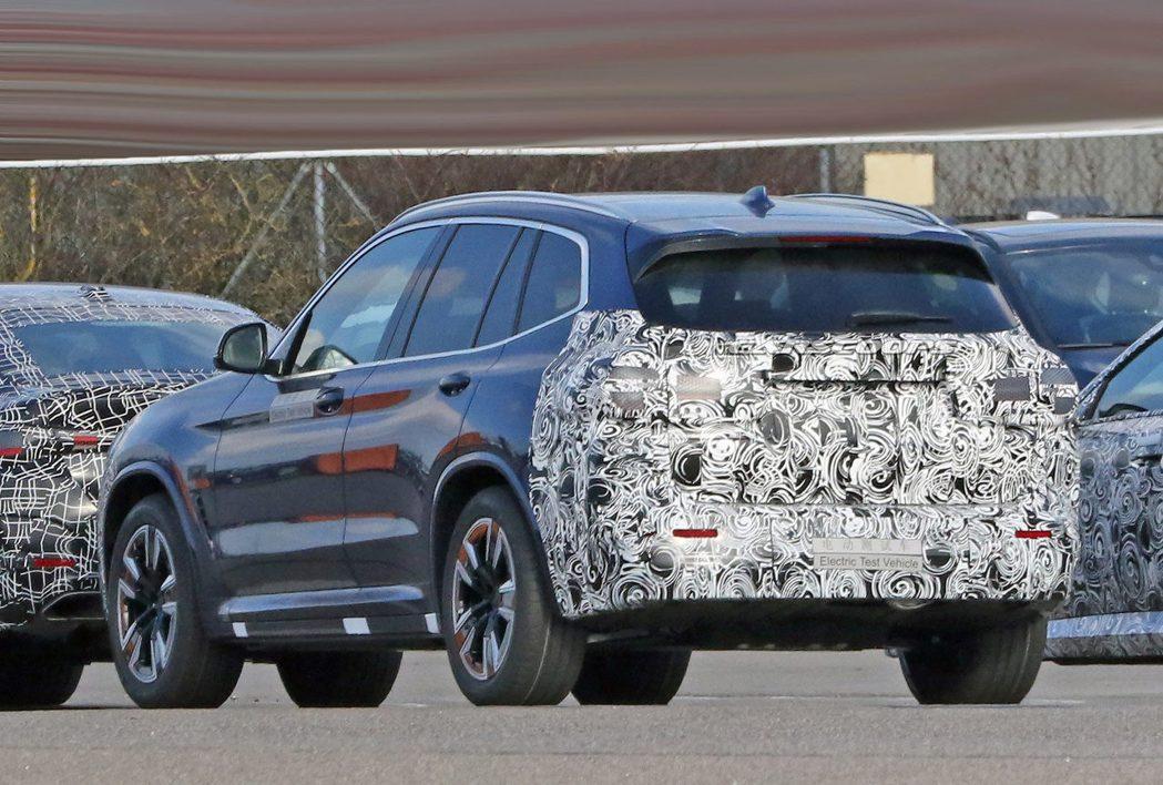 小改款BMW iX3最快應該要到2021年底才會登場。 摘自Carscoops