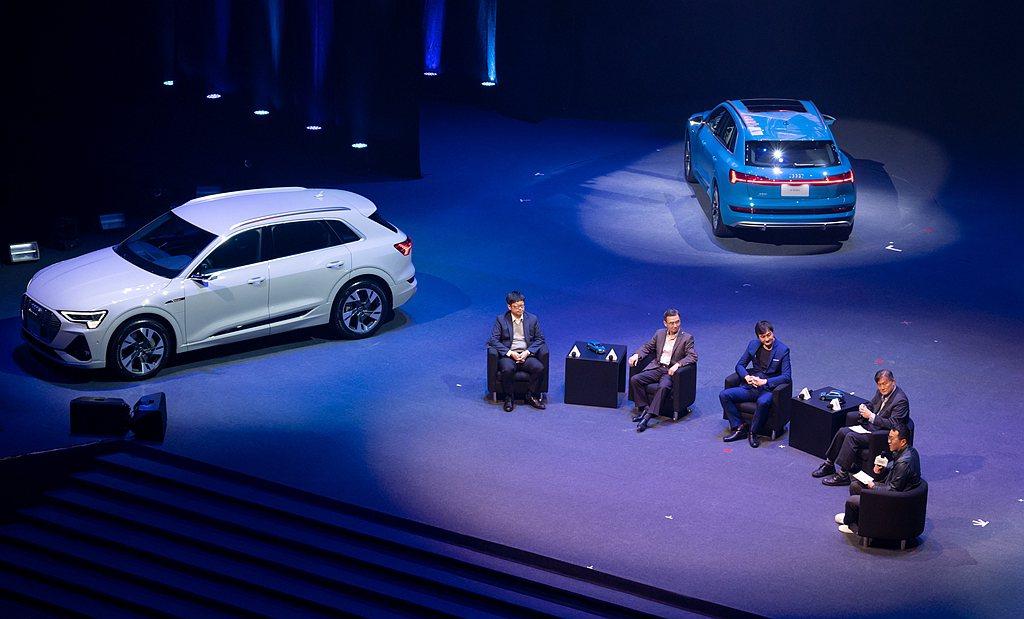 以Audi e-tron純電動車為例,充滿電可以跑400公里,而台灣南北全長約3...