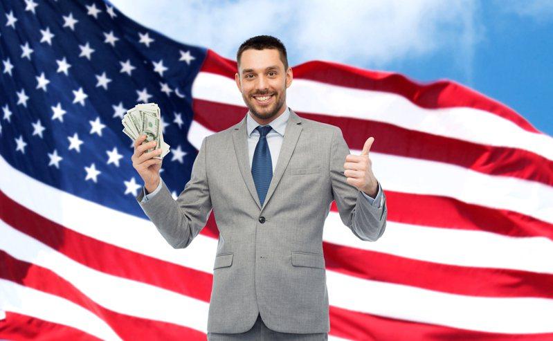 一份今天公布的研究显示,自新型冠状病毒大流行以来,美国亿万富豪的财富竟增加超过1兆美元(约新台币28兆元),再度引发富人须课更高赋税的论战。示意图/Ingimage(photo:UDN)