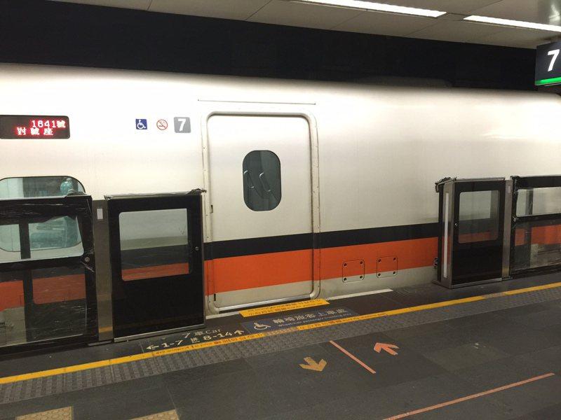 台灣高鐵公司將再採購12組新車,但現在還傳出,不僅買新車受制於日方,就連台北車站的月台門,也要遷就新車較長的車身,配合進行修改。圖/台灣高鐵公司提供