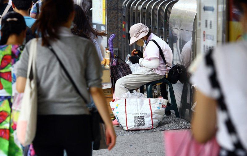 財訊雜誌導指出,近年台灣企業的加薪幅度僅不到4%,落後中國大陸的5%,更不及越南的8%。圖為示意圖。圖/聯合報系資料照片