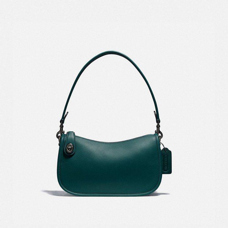 Swinger手袋,11,800元。圖/COACH提供