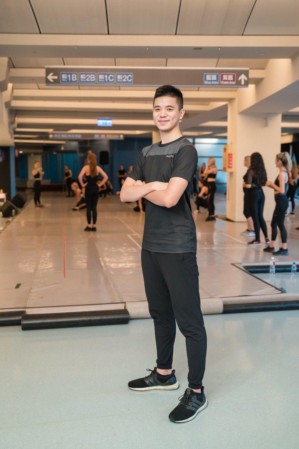 台灣舞者姚舒瀚也受邀在「火焰之舞」舞劇共同演出。圖/寬宏提供