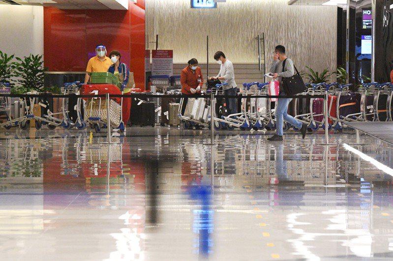 新加坡新加坡樟宜機場大廳。 新華社