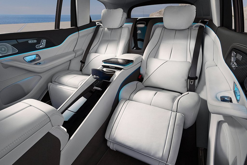 Mercedes-Maybach GLS 600 4Matic以獨特的後雙座獨立...