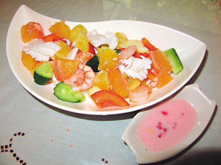 海鮮沙拉。記者彭芸芳、陳立凱/攝影
