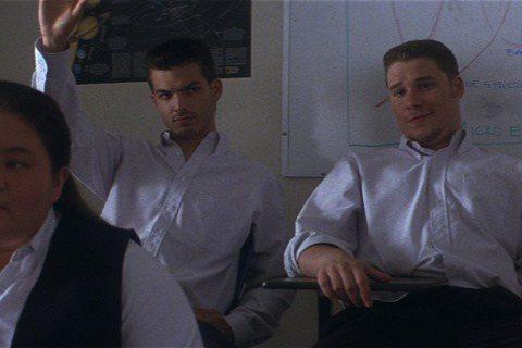 影壇經典《怵目驚魂28天》修復版本週五起(12/11)全台上映,由曾與李安合作過《斷背山》並獲得奧斯卡提名的傑克葛倫霍主演。當年這部片因為概念太過前衛,苦無找不到拍片預算與發行商。好在靠著當時正以《...