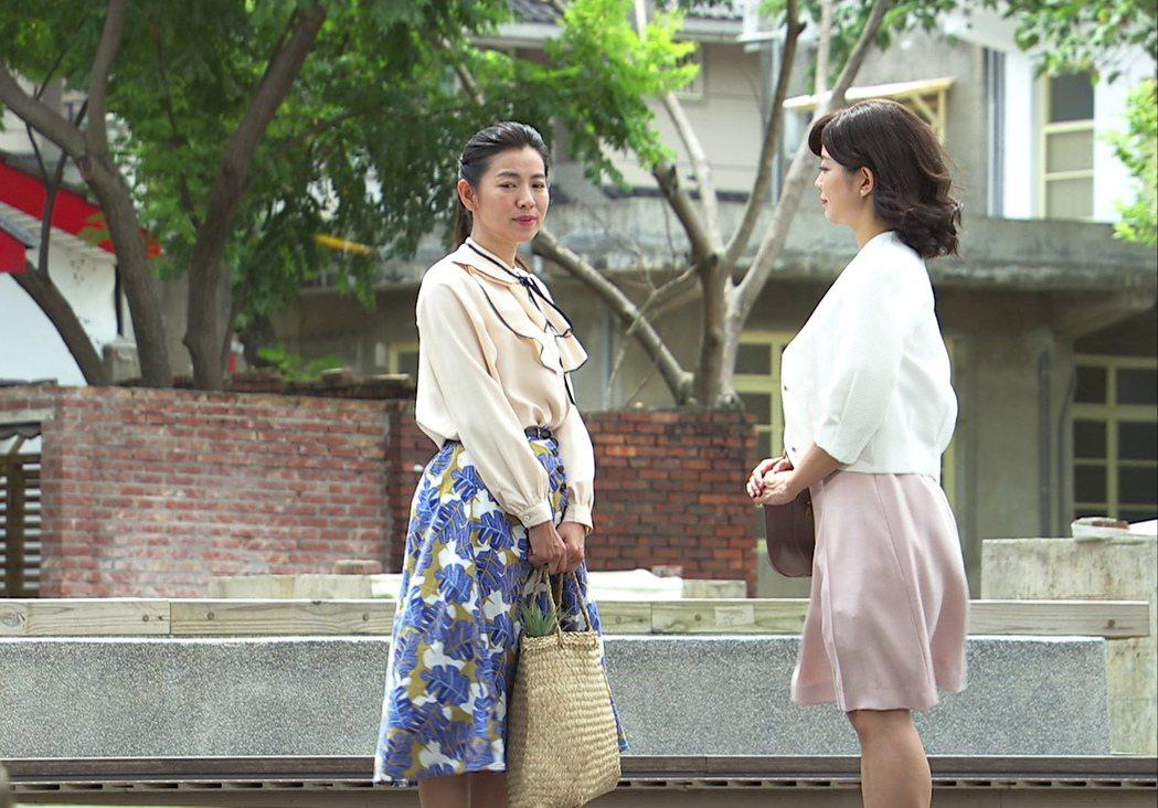 米可白(左)、林雨宣在8點檔「生生世世」閨蜜反目,後來卻成了姑嫂。圖/台視提供
