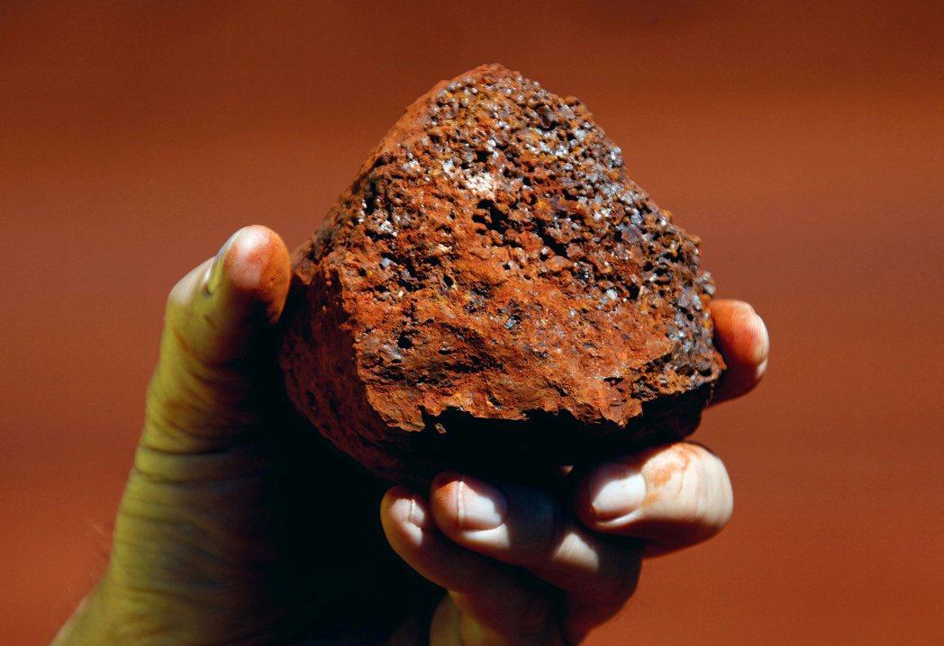 圖為澳洲西澳Pilbara區所產的鐵礦砂。  路透