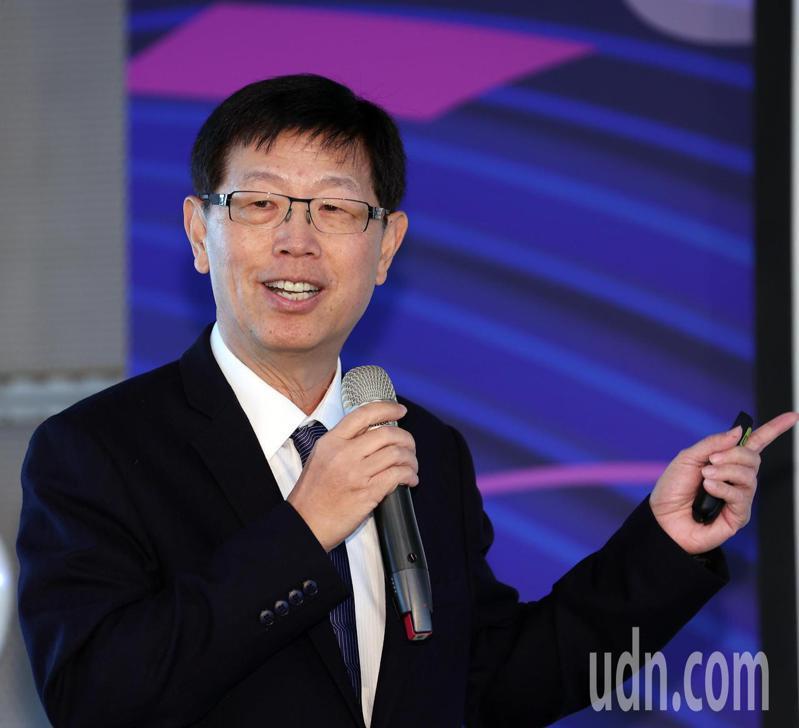 鴻海上午舉辦台灣量子科技論壇,鴻海董事長劉揚偉出席致詞。記者曾吉松/攝影