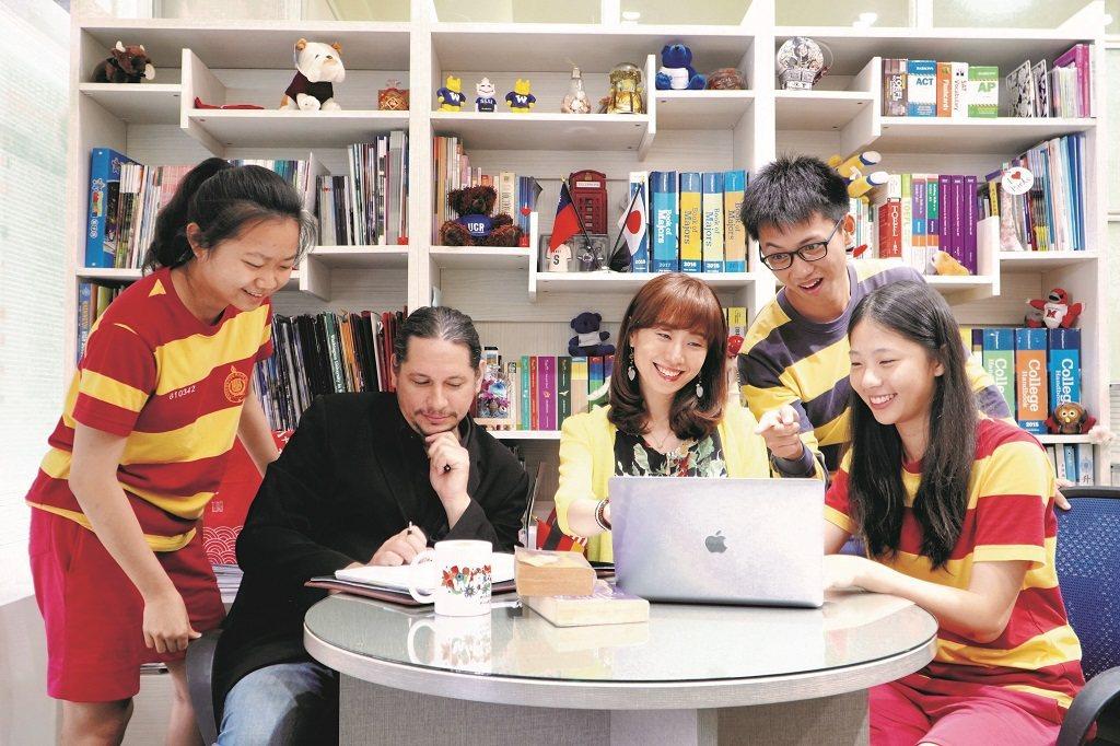 在華盛頓中學國際部,陪學生打造適才適性的生涯計畫。(照片提供/林佳佳)